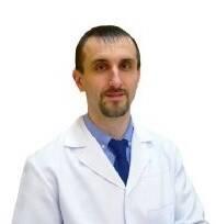 <strong>Овчинников Олег <br/> Николаевич</strong> : <em>Кандидат медицинских наук, врач ортопед-травматолог, врач УЗД</em> <br/>